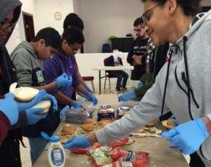 muslim_feeding_homeless1