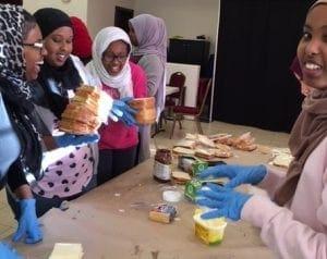 muslim_feeding_homeless2